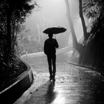 وقتی بارون میزنه دلم بازم آتیش میگیره